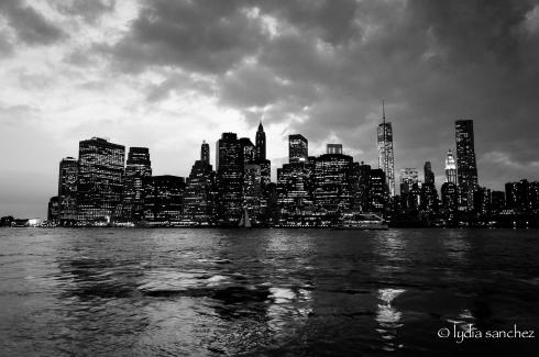 ny skyline b&w ©lydiasanchez